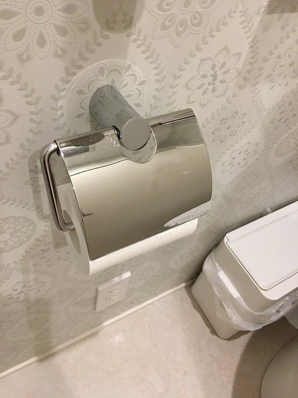 2Fトイレ_紙巻器