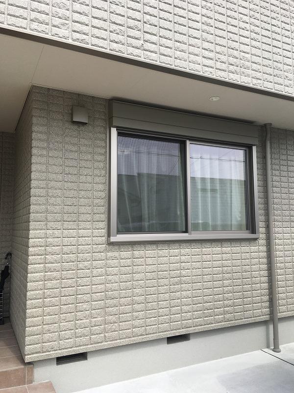 腰高窓引違い_AKASAH21118LKQFK1_ガラスRTZ